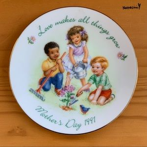 Avon 1991 Mothers Day Collectors Plate